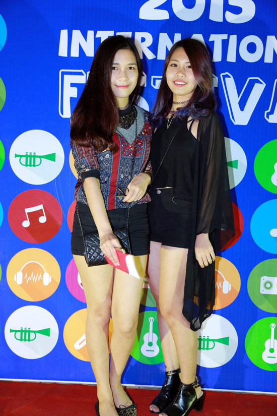 huyme-khoe-trinh-tieng-anh-dinh-quy-het-co-voi-teen-truong-quoc-te-8