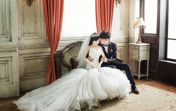 Sau khi được đăng tải, bộ ảnh lập tức gây chú ý trên mạng xã hội Weibo.