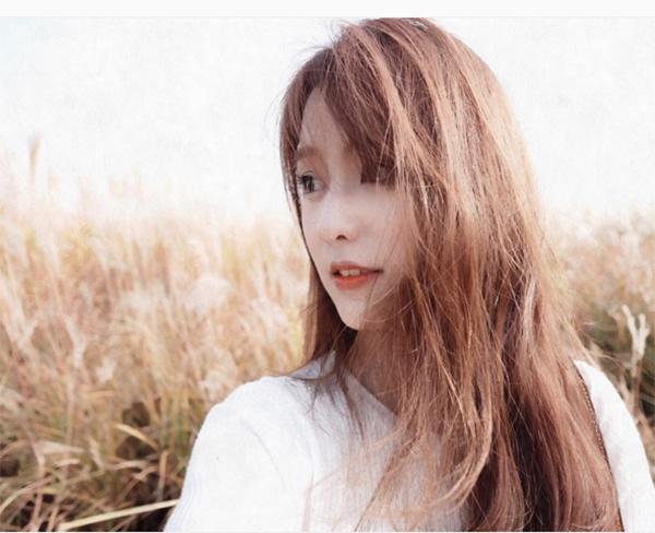 hot-girl-so-1-thai-lan-lot-xac-thanh-my-nu-toc-vang-het-krystal-8