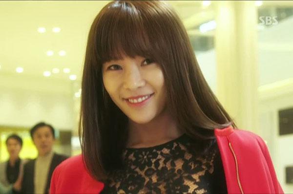 4-kieu-toc-ngan-xinh-yeu-trong-phim-cua-hwang-jung-eum-7