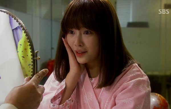 4-kieu-toc-ngan-xinh-yeu-trong-phim-cua-hwang-jung-eum-6