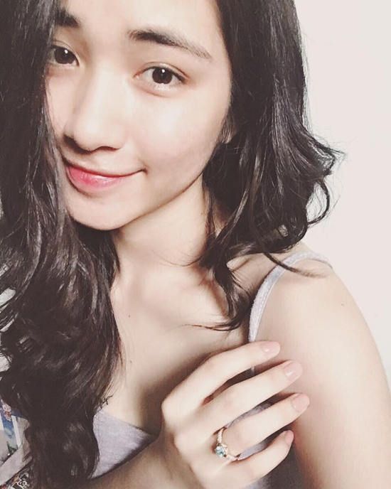 """Hòa Minzy trung thành với tuyên ngôn: """"Là con gái có quyền điệu""""."""