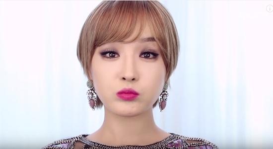 clip-trang-diem-kieu-hien-dai-sang-chanh-giong-min-ha-ri