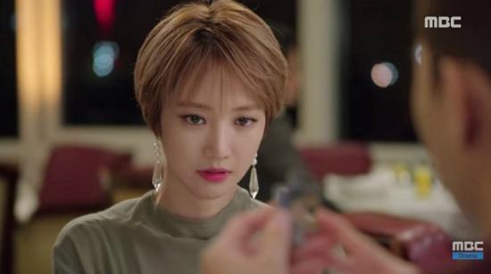 clip-trang-diem-kieu-hien-dai-sang-chanh-giong-min-ha-ri-7