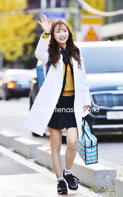 151112-lovelyz-ryu-soojung-sun-5819-8236