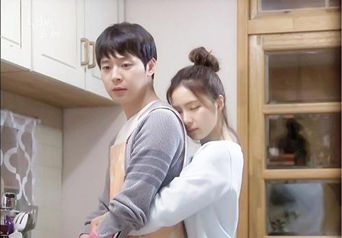 nhung-canh-om-dang-sau-lang-man-trong-phim-han-2015-5