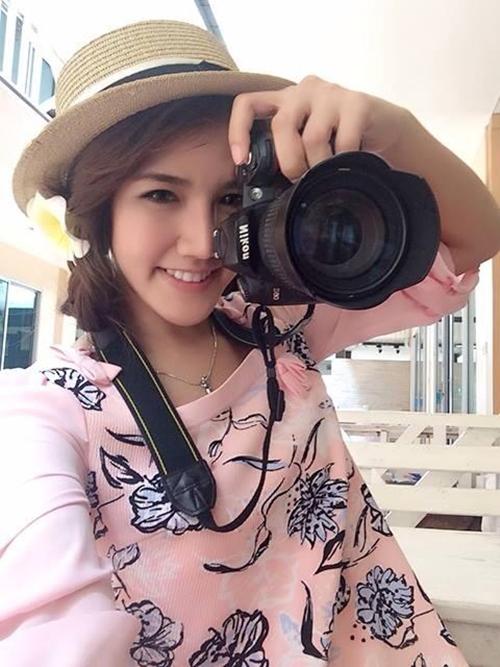 nu-tiep-vien-hang-khong-bi-chu-2383-7283