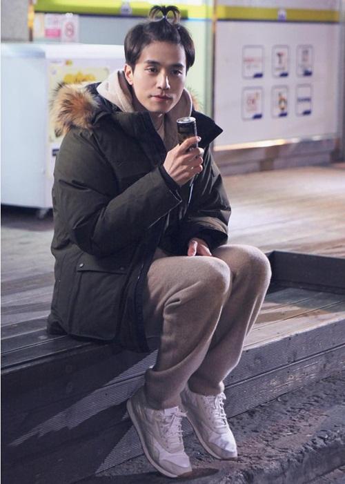 lee-dongwook-4624-1448942150.jpg
