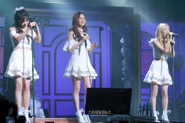 1-taeyeon-tiffany-seohyun-1-4545-1449204