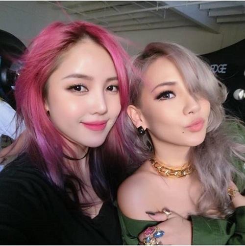 Được biết cô nàng phù thủy trang điểm của xứ kim chi Pony đã hợp tác với nữ rapper hàng đầu Kpop để giúp cô nàng lột xác ấn tượng trong album solo của mình.