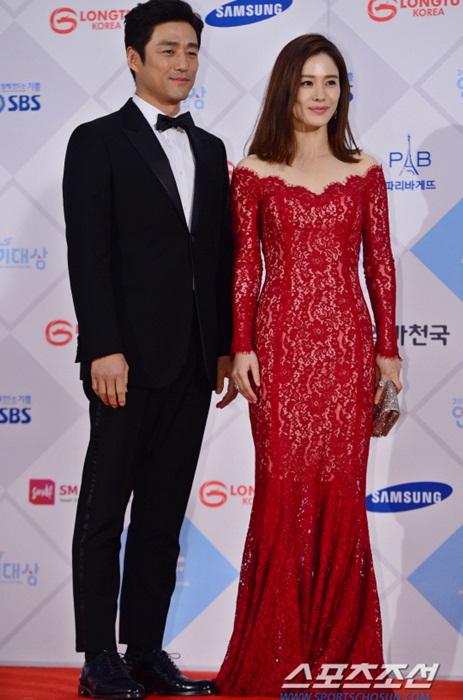 kim-yoo-jung-kim-tae-hee-dep-khong-goc-chet-o-sbs-drama-award-page-2-2