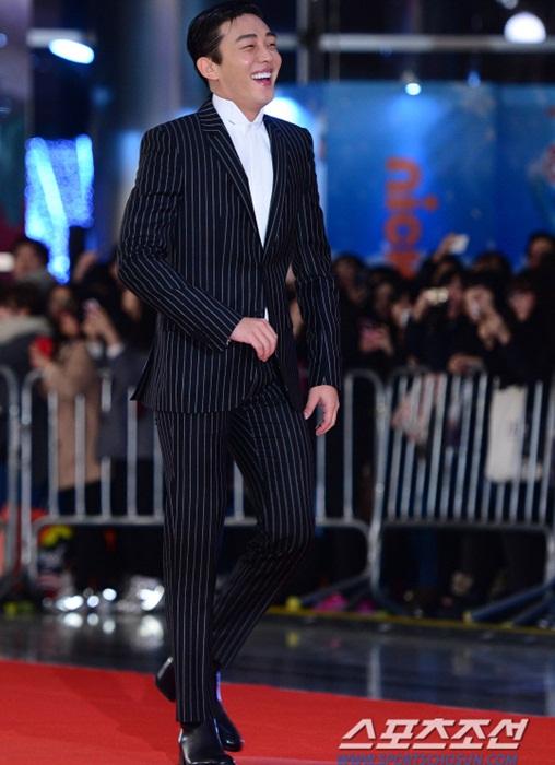 kim-yoo-jung-kim-tae-hee-dep-khong-goc-chet-o-sbs-drama-award-11