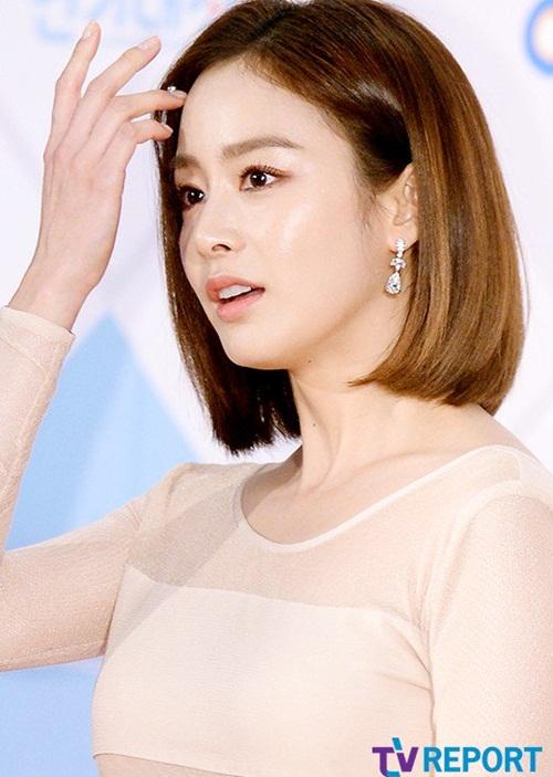 kim-yoo-jung-kim-tae-hee-dep-khong-goc-chet-o-sbs-drama-award-3