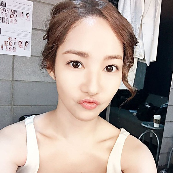 park-min-young-5947-1451535053.jpg
