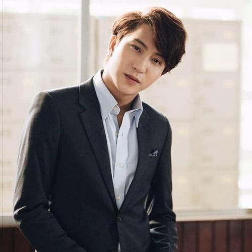 4-hot-boy-viet-hoat-dong-nang-no-gay-tieng-vang-nhat-nam-2015