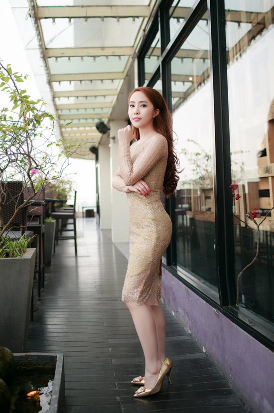 Đã 3 năm trôi qua kể từ ngày phát hành sản phẩm âm nhạc, chiều 7/1, Quỳnh Nga mới đánh dấu sự tái xuất bằng single, MV 'Nhật ký ngày ngủ yên'.