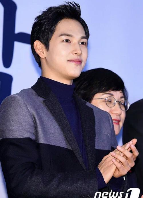 yoon-ah-khien-fan-to-mo-vi-chan-vong-kieng-bien-mat-7