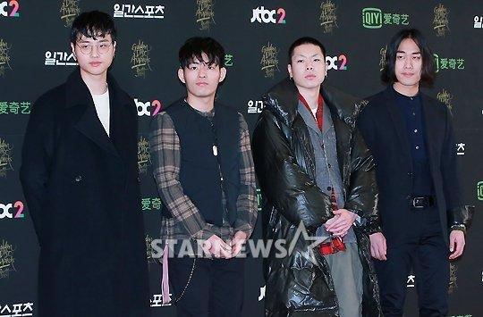 seo-hyun-do-dang-voi-seol-hyun-hani-o-tham-dogolden-disk-awards-3