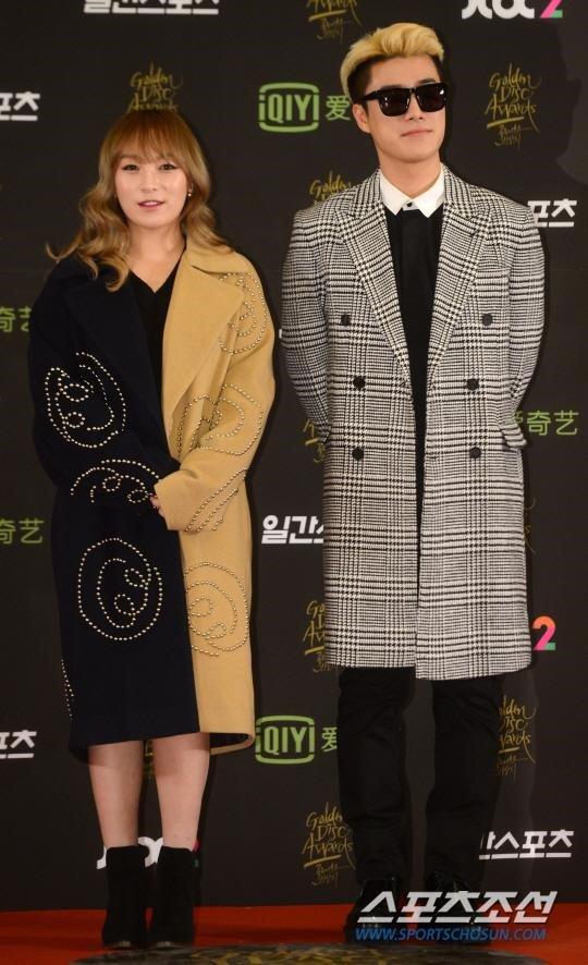 seo-hyun-do-dang-voi-seol-hyun-hani-o-tham-dogolden-disk-awards-4