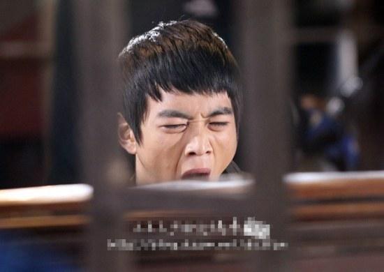 loat-idol-han-bi-chup-anh-khi-dang-ngap-khi-the-page-2-7