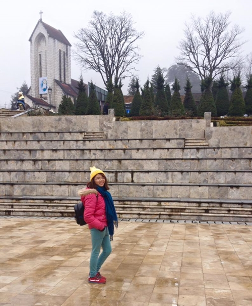 Thanh Hoa trong chuyến đi Sa Pa và là người được mời tham gia trải nghiệm đường cáp treo lên Fansipan.