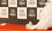 sao-nu-kpop-nao-khoc-vi-khong-thich-guong-mat-cua-minh-1
