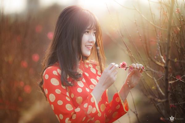 hot-girl-kieu-trinh-duoc-bao-trung-khen-ngoi-la-nu-than-hoa-dao-6