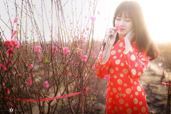 hot-girl-kieu-trinh-duoc-bao-trung-khen-ngoi-la-nu-than-hoa-dao-7
