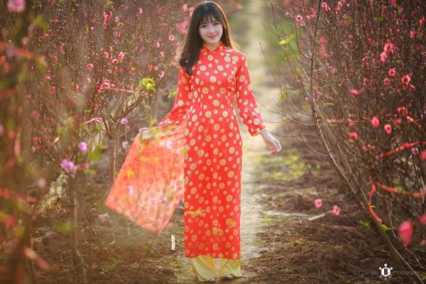 hot-girl-kieu-trinh-duoc-bao-trung-khen-ngoi-la-nu-than-hoa-dao-3