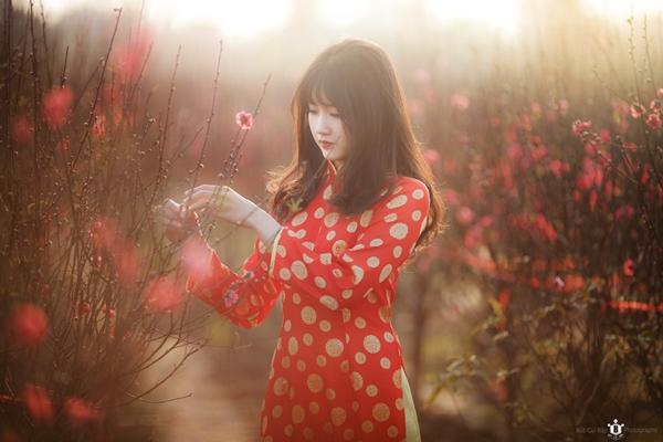 hot-girl-kieu-trinh-duoc-bao-trung-khen-ngoi-la-nu-than-hoa-dao-5