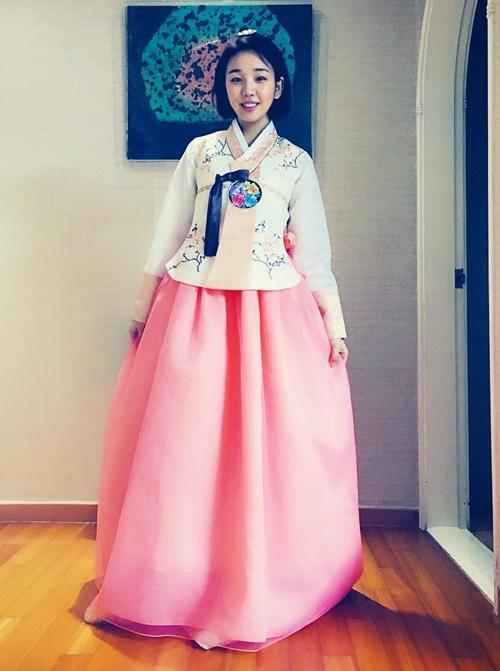 baek-ahyeon-8794-1454992007.jpg