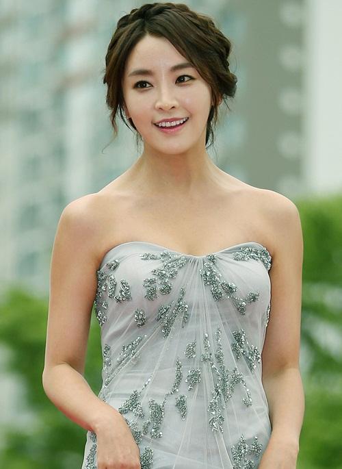 top-20-my-nhan-kbiz-noi-tieng-nhat-do-netizen-nu-binh-chon-9