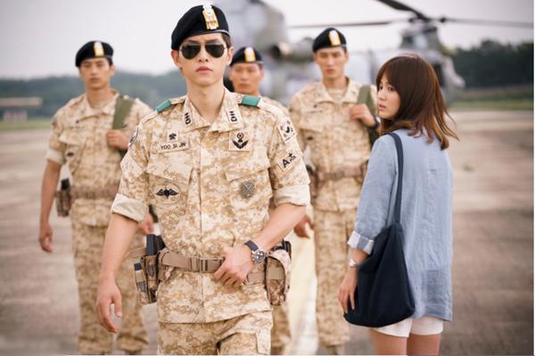 song-joong-ki-my-nam-hoan-hao-ca-tren-phim-va-ngoai-doi-2-4
