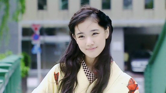 4-my-nhan-tung-lot-mat-xanh-song-joong-ki-1