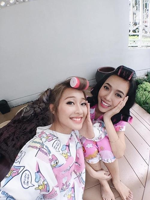 tinh-ban-de-thuong-cua-cap-doi-tung-tung-kha-ngan-dieu-nhi-1