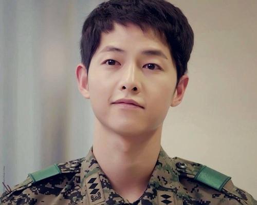 Song-Joong-Ki-10-1631-1458880518.jpg