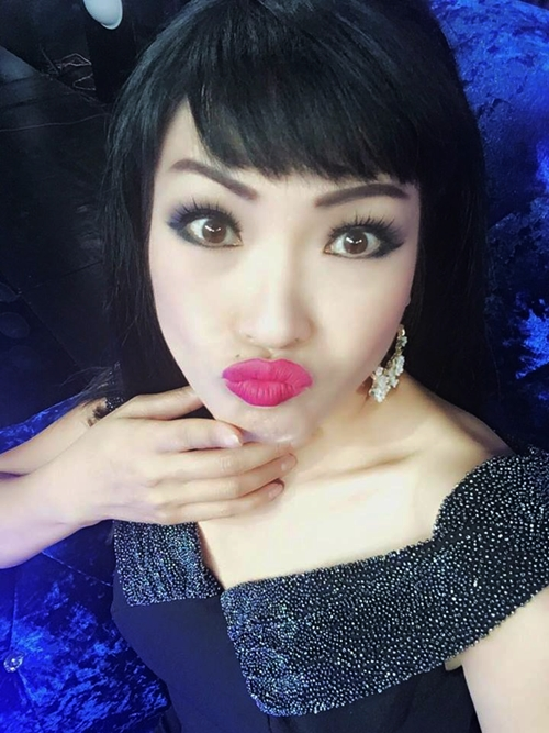 sao-viet-31-3-mai-phuong-thuy-dep-xuat-sac-diem-huong-khoe-con-trai-kute-10