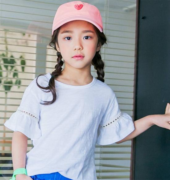 hot-girl-7-tuoi-mat-sang-chanh-noi-tieng-lang-mot-han-11