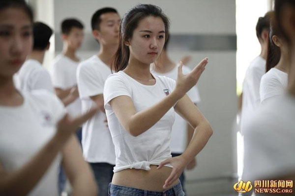 nu-sinh-Trung-Quoc-19-5651-1460361377.jp