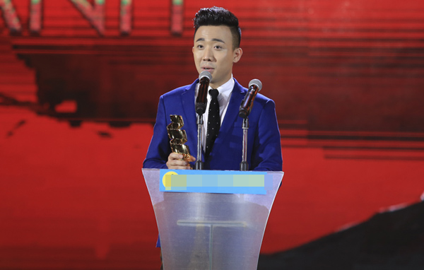 tran-thanh-htv-awards-4-JPG-4466-1461436