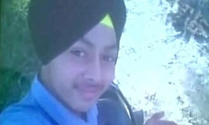 Chàng trai trẻ thiệt mạng vì selfie với súng