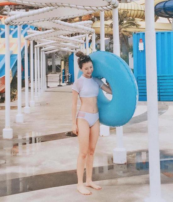 hot-girl-viet-so-eo-thon-dang-nuot-khi-dien-bikini-3