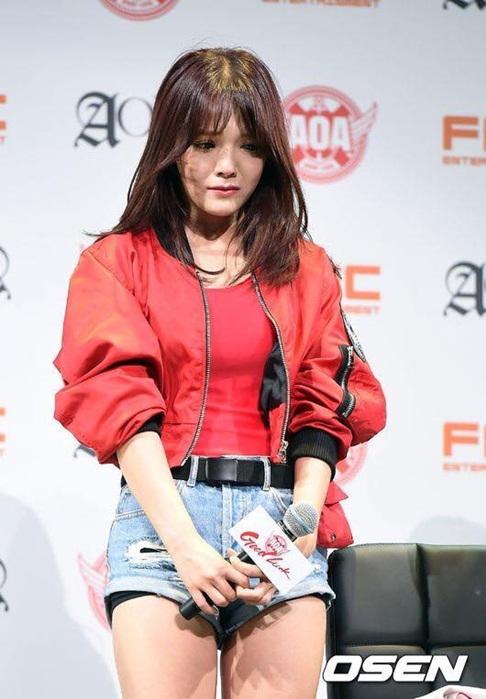 dai-su-du-lich-seol-hyun-bat-khoc-vi-scandal-dot-lich-su-4