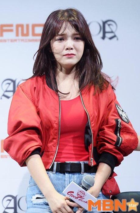 dai-su-du-lich-seol-hyun-bat-khoc-vi-scandal-dot-lich-su-5