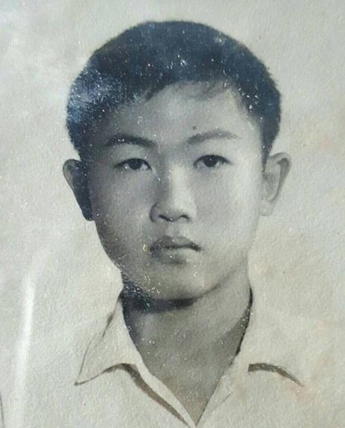 Jiratchaya Sirimongkolnawin trước khi chuyển giới thành nữ.