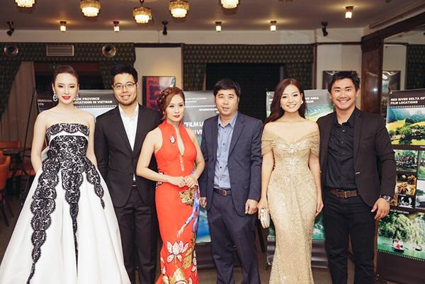 Rời Cannes, Phương Trinh lộng lẫy sang CH Séc quảng bá phim