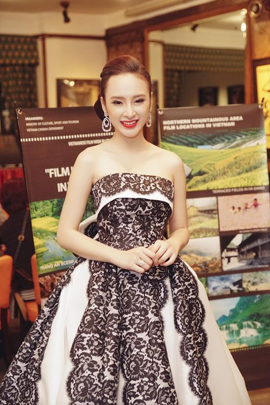 Trước khi tham dự Tuần phim Việt tại Cannes, Phương Trinh cùng đoàn phim