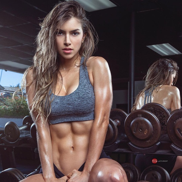 Anella Sangra, 22 tuổi, người Columbia, là người mẫu, huấn luyện viên, chuyên gia   dinh dưỡng nổi tiếng trên Instagram với 4,7 triệu người theo dõi.