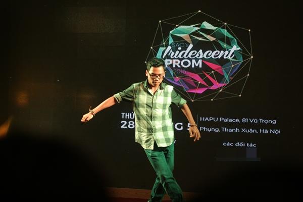 Teen chuyên Nguyễn Huệ có dịp khoe tài lẻ: nhảy, DJ, hát, múa...