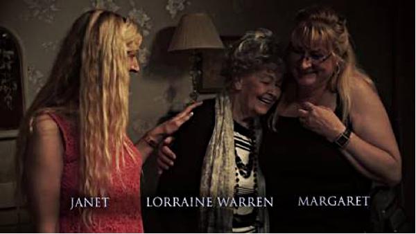 Chị em Janet & Margaret Hodgson cùng nhà ngoại cảm Lorraine Warren hiện tại